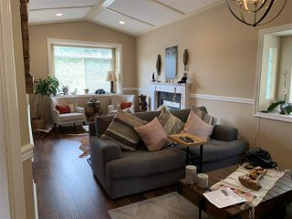 Photo 3: 2058 WESTVIEW Drive in North Vancouver: Central Lonsdale House for sale : MLS®# R2377894