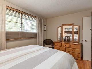 Photo 18: 512 OAKWOOD Place SW in Calgary: Oakridge Detached for sale : MLS®# C4264925