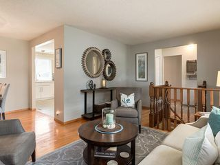 Photo 11: 512 OAKWOOD Place SW in Calgary: Oakridge Detached for sale : MLS®# C4264925