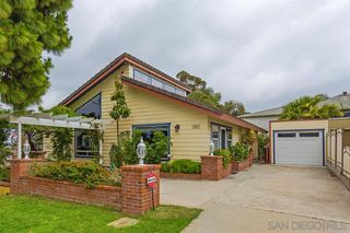 Photo 2: SAN DIEGO House for sale : 3 bedrooms : 3163 Ash St