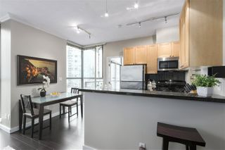 Photo 8: 1601 928 RICHARDS STREET in Vancouver: Yaletown Condo for sale (Vancouver West)  : MLS®# R2441167