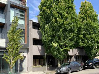 "Photo 2: 206 3255 HEATHER Street in Vancouver: Cambie Condo for sale in ""ALTA VISTA COURT"" (Vancouver West)  : MLS®# R2484129"