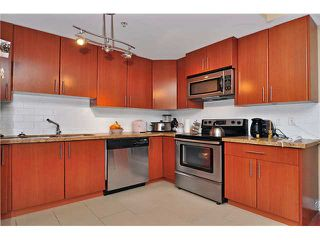 "Photo 2: 224 5211 IRMIN Street in Burnaby: Metrotown Townhouse for sale in ""ROYAL GARDENS"" (Burnaby South)  : MLS®# V885252"