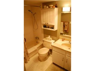 "Photo 4: 704 740 HAMILTON Street in New Westminster: Uptown NW Condo for sale in ""THE STATESMAN"" : MLS®# V897260"