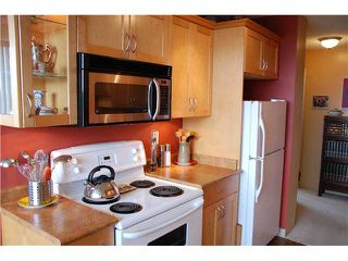 "Photo 1: 704 740 HAMILTON Street in New Westminster: Uptown NW Condo for sale in ""THE STATESMAN"" : MLS®# V897260"