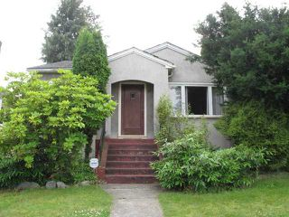 """Photo 2: 88 W 27TH Avenue in Vancouver: Cambie House for sale in """"Riley Park/Cambie"""" (Vancouver West)  : MLS®# V900358"""
