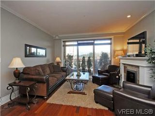 Photo 3: 209 755 Goldstream Ave in VICTORIA: La Langford Proper Condo Apartment for sale (Langford)  : MLS®# 590944