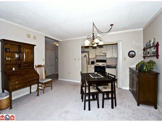 Photo 3: 406 15111 RUSSELL Avenue: White Rock Condo for sale (South Surrey White Rock)  : MLS®# F1201357