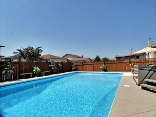 Photo 2: 172 Verona Drive in : Amber Trails Residential for sale (North West Winnipeg)  : MLS®# 1313797