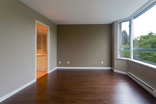 Photo 8: 6 6611 Southoaks Crescent in Burnaby: Highgate Townhouse for sale (Burnaby South)  : MLS®# V1008585