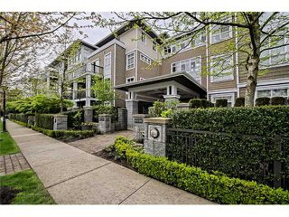 "Photo 2: 303 6279 EAGLES Drive in Vancouver: University VW Condo for sale in ""REFLECTIONS"" (Vancouver West)  : MLS®# V1061772"