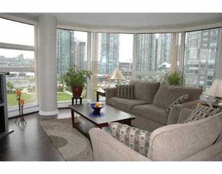 "Photo 3: 11C 199 DRAKE ST in Vancouver: False Creek North Condo for sale in ""CONCORDIA 1"" (Vancouver West)  : MLS®# V542014"