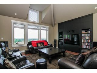 "Photo 3: 3327 BLOSSOM Court in Abbotsford: Abbotsford East House for sale in ""The Highlands"" : MLS®# F1411809"