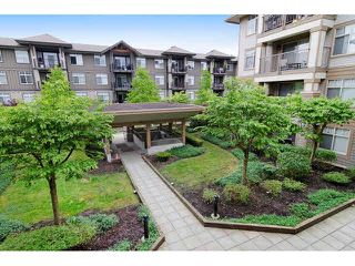 "Photo 12: 229 12238 224TH Street in Maple Ridge: East Central Condo for sale in ""URBANO"" : MLS®# V1118461"