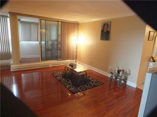 Photo 11: 903 5 Vicora Linkway in Toronto: Flemingdon Park Condo for sale (Toronto C11)  : MLS®# C3224137