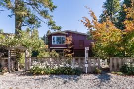"Photo 1: 2810 GORDON Avenue in Surrey: Crescent Bch Ocean Pk. House for sale in ""Crescent Beach"" (South Surrey White Rock)  : MLS®# R2005295"