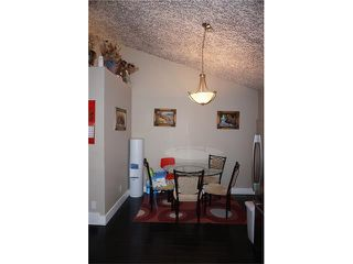 Photo 10: 23 APPLEFIELD Close SE in Calgary: Applewood Park House for sale : MLS®# C4043938