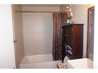 Photo 12: 23 APPLEFIELD Close SE in Calgary: Applewood Park House for sale : MLS®# C4043938