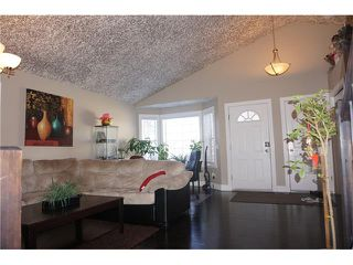 Photo 6: 23 APPLEFIELD Close SE in Calgary: Applewood Park House for sale : MLS®# C4043938