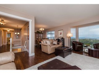 Photo 3: 31098 HERON Avenue in Abbotsford: Abbotsford West House for sale : MLS®# R2032338
