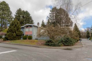 Photo 2: 3384 CARDINAL Drive in Burnaby: Government Road House for sale (Burnaby North)  : MLS®# R2037916