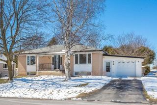 Main Photo: 56 Torian Avenue in Whitby: Brooklin House (Bungalow) for sale : MLS®# E3456917