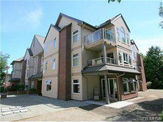 Photo 1: 101 835 Selkirk Ave in VICTORIA: Es Kinsmen Park Condo for sale (Esquimalt)  : MLS®# 735475