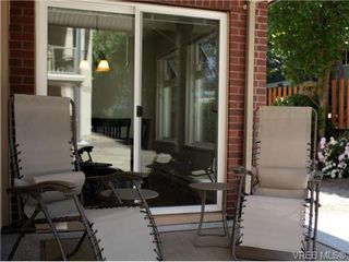 Photo 3: 101 835 Selkirk Ave in VICTORIA: Es Kinsmen Park Condo Apartment for sale (Esquimalt)  : MLS®# 735475