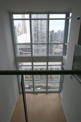 Photo 5: 3208 15 Fort York Blvd in N2: Home for sale