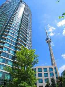 Photo 1: 3208 15 Fort York Blvd in N2: Home for sale