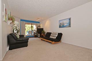 Photo 2: 110 545 Manchester Rd in VICTORIA: Vi Burnside Condo Apartment for sale (Victoria)  : MLS®# 739420