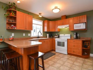 Photo 2: 483 FORESTER Avenue in COMOX: CV Comox (Town of) House for sale (Comox Valley)  : MLS®# 752915