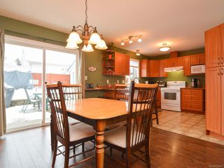 Photo 4: 483 FORESTER Avenue in COMOX: CV Comox (Town of) House for sale (Comox Valley)  : MLS®# 752915