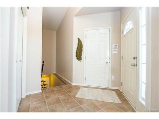 Photo 3: 97 Grifindale Bay in Winnipeg: River Grove Residential for sale (4E)  : MLS®# 1706885