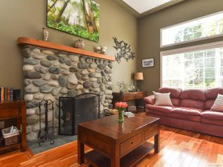 Photo 4: 1542 MULBERRY Lane in COMOX: CV Comox (Town of) House for sale (Comox Valley)  : MLS®# 758732