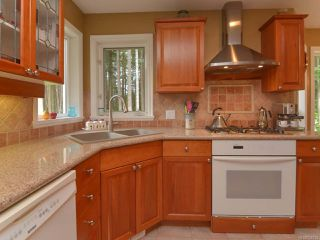 Photo 7: 1542 MULBERRY Lane in COMOX: CV Comox (Town of) House for sale (Comox Valley)  : MLS®# 758732