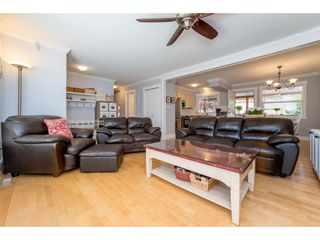 Photo 8: 9488 213 Street in Langley: Walnut Grove House for sale : MLS®# R2169405