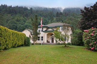 "Photo 1: 40218 WELLS LINE Road in Abbotsford: Sumas Prairie House for sale in ""SUMAS PRAIRIE"" : MLS®# R2172038"