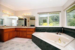 "Photo 10: 40218 WELLS LINE Road in Abbotsford: Sumas Prairie House for sale in ""SUMAS PRAIRIE"" : MLS®# R2172038"