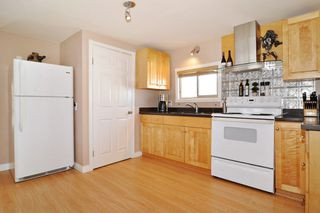 "Photo 2: 278 201 CAYER Street in Coquitlam: Maillardville Manufactured Home for sale in ""WILDWOOD PARK"" : MLS®# R2206930"