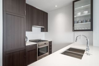 "Photo 11: 3202 5515 BOUNDARY Road in Vancouver: Collingwood VE Condo for sale in ""Wall Centre Central Park"" (Vancouver East)  : MLS®# R2208071"