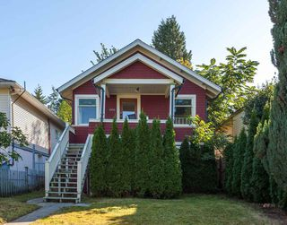"Photo 1: 4550 HARRIET Street in Vancouver: Fraser VE House for sale in ""CEDAR COTTAGE"" (Vancouver East)  : MLS®# R2209105"