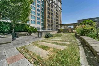 """Photo 10: 2810 438 SEYMOUR Street in Vancouver: Downtown VW Condo for sale in """"THE CONFERENCE PLAZA"""" (Vancouver West)  : MLS®# R2217224"""
