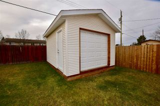 Photo 5: 727 DOUGLAS Street in Prince George: Central House for sale (PG City Central (Zone 72))  : MLS®# R2222006