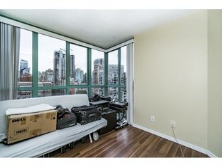 "Photo 10: 1505 907 BEACH Avenue in Vancouver: Yaletown Condo for sale in ""CORAL CRT"" (Vancouver West)  : MLS®# R2229594"
