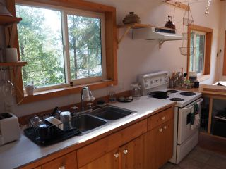 Photo 6: 5261 CLAYDON Road in Pender Harbour: Pender Harbour Egmont House for sale (Sunshine Coast)  : MLS®# R2250477