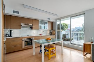 "Photo 4: 508 1635 W 3RD Avenue in Vancouver: False Creek Condo for sale in ""The Lumen"" (Vancouver West)  : MLS®# R2252692"
