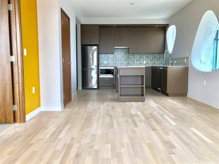 Photo 3: 4001 13495 CENTRAL Avenue in Surrey: Whalley Condo for sale (North Surrey)  : MLS®# R2301854