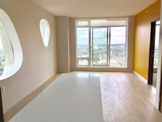 Photo 2: 4001 13495 CENTRAL Avenue in Surrey: Whalley Condo for sale (North Surrey)  : MLS®# R2301854