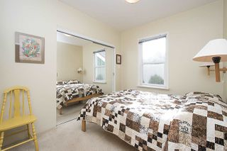 Photo 9: 2768 PANDORA Street in Vancouver: Hastings East House for sale (Vancouver East)  : MLS®# R2302425